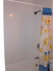 1625 NE Wheatland Bath2