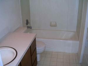 330 NW Thomas Bath