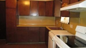 910 S Meadow Kitchen1
