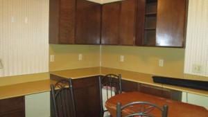 910 S Meadow Kitchen2