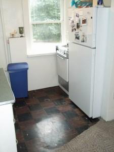 440 Maple 2 Kitchen 2